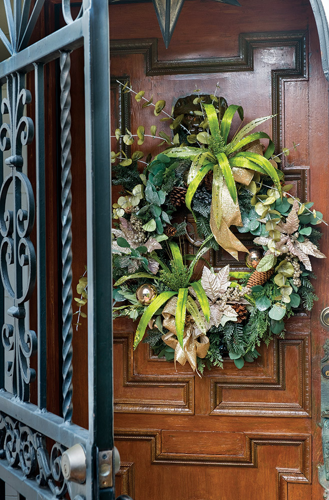 Festive Holiday Wreaths For Your Front Door Palm Beach Illustrated