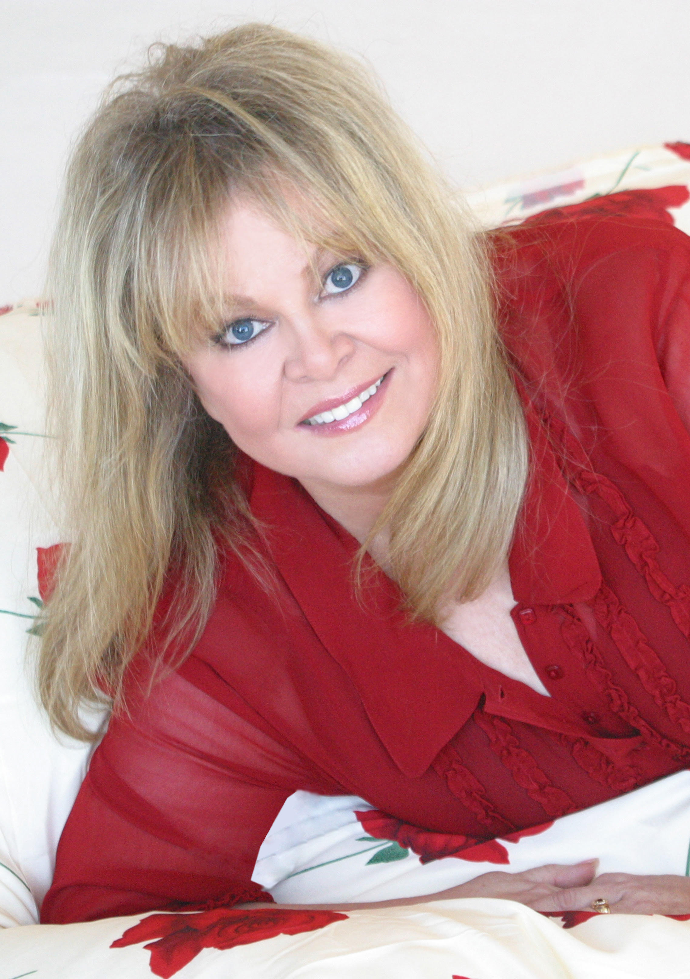 Sally Struthers - Topic - YouTube