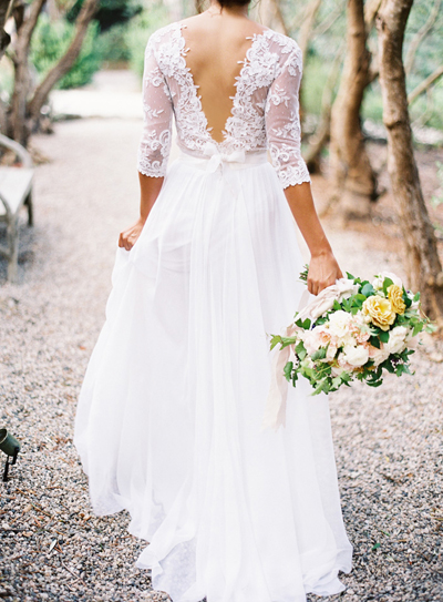 17 Wedding Dresses With Breathtaking Backs | Weddings Illustrated