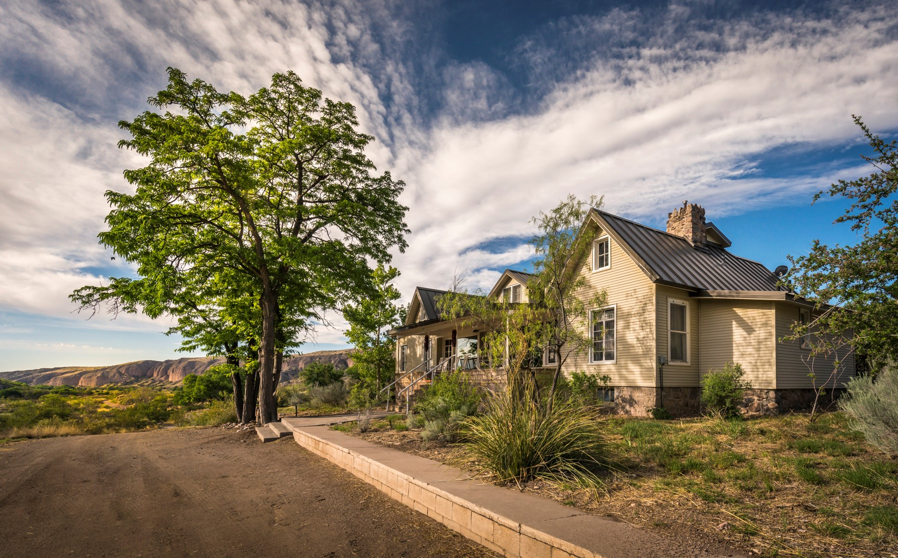 Honeymoon Hot Spot: Ladder Ranch, New Mexico - Weddings